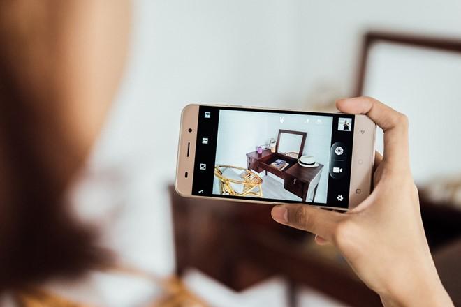 LAI_Yuki_Smartphone_man_hinh_5_inch_tam_gia_3_trieu_dong_4