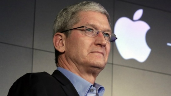 tim-cook-noi-gi-ve-chien-dich-tay-chay-apple-cua-donald-trump-bb-baaacvTKL1
