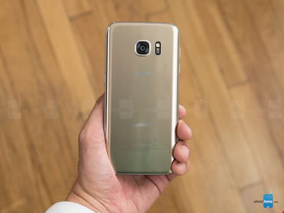 4-smartphone-dang-mua-nhat-trong-thang-42016