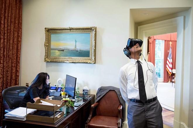 obama-tro-thanh-tong-thong-my-dau-tien-dung-kinh-thuc-te-ao-bb-baaabQ6ZA6