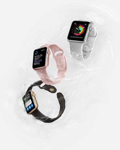 147327479250505-apple-watch2-3up-water-2