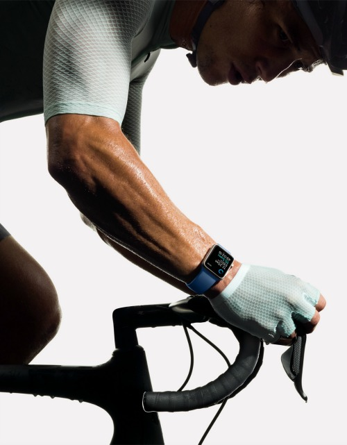 147327479291473-apple-watch2-cycling