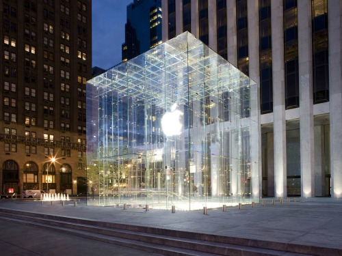 14746093849182-2-applestore_5thavenue3