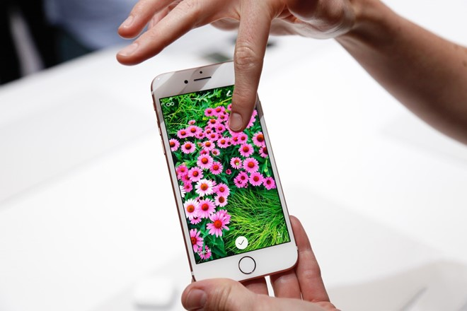 sau-cung-iphone-7-van-la-smartphone-tot-nhat-the-gioi-bb-baaabsuqii