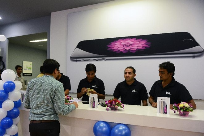 india_iphone_line