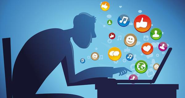 facebook-addict-1481702168046-crop-1481702190890