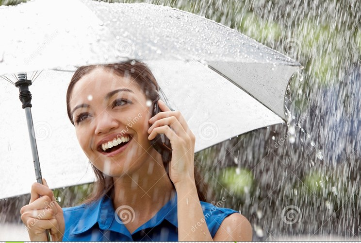woman-phone-rain-10925313_bmmf
